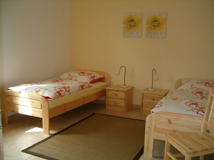 700x450-towidth-90-images_stories_landluft__schlafzimmer-1