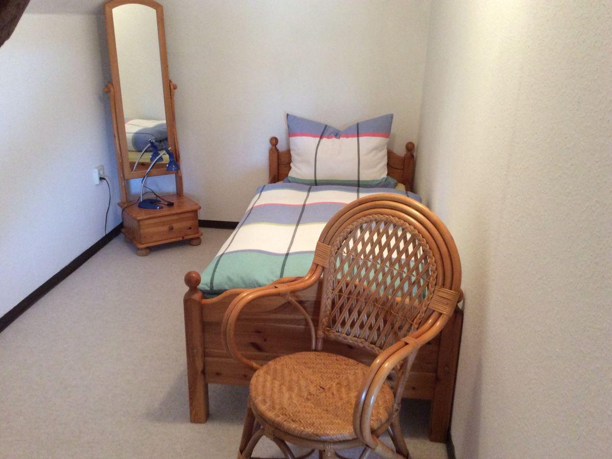 einzelbett-in-schlafzimmer-2